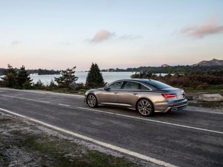 ¡Nuevo! Alfombrillas para el Audi A6 2020->